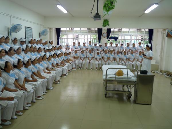 广西南宁卫生学校--学生上理论课-相片集 华夏基金会欢迎您